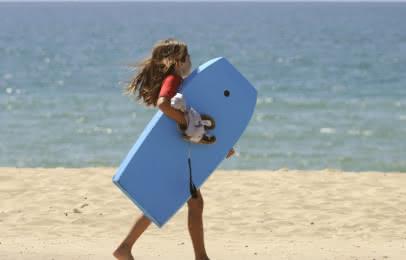 enfant-bodyboard-montalivet-medoc-atlantique