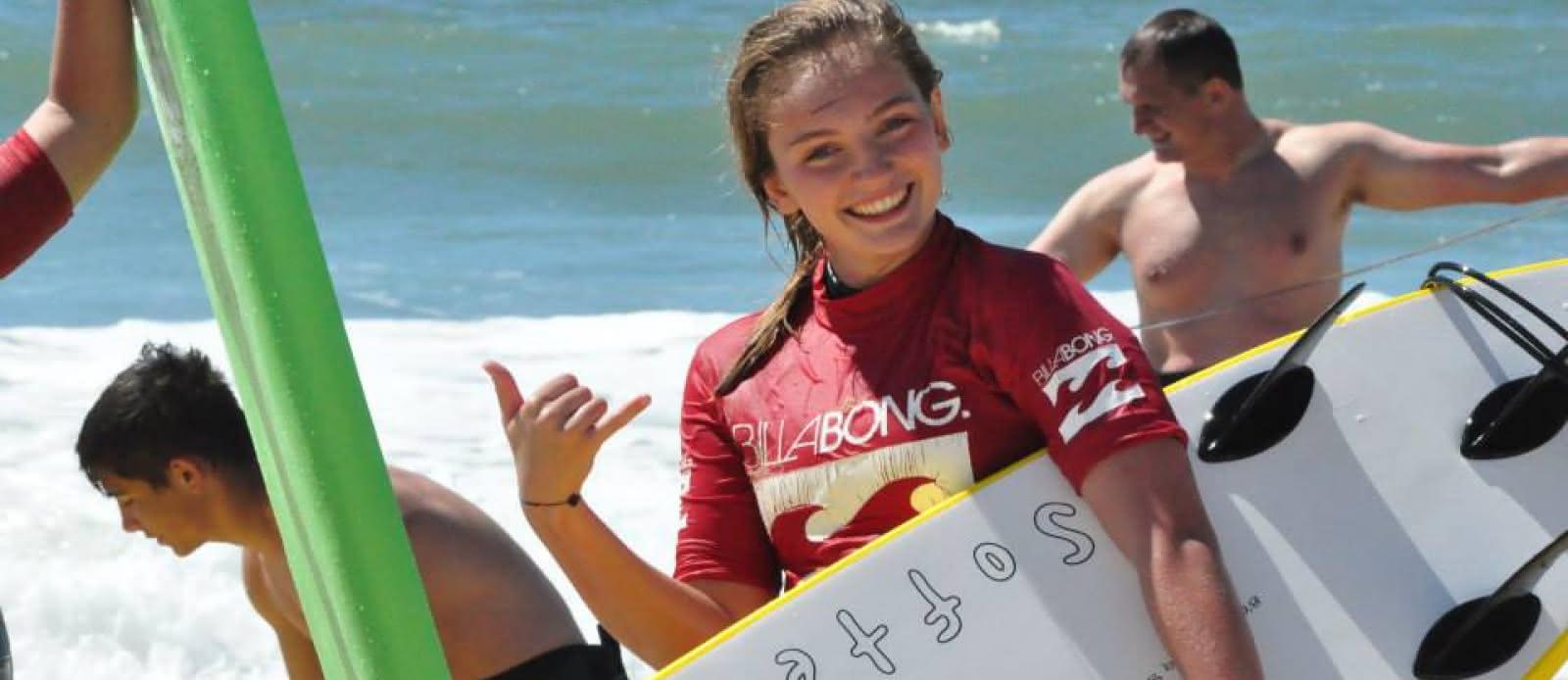 Ecole surf- Boco - Lacanau - surfeuse