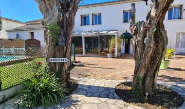 Hôtel les Vieux Acacias 6