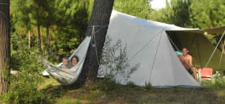 Camping  Aire naturelle l'Acacia Hourtin