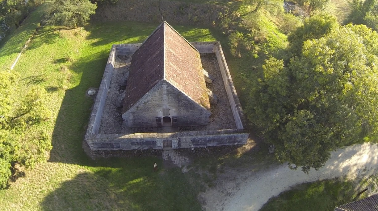 Photo-3--FORT-MEDOC--Le-magasin-a-poudre---Mairie-de-Cussac-Fort-Medoc