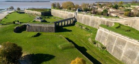 citadelle-Blaye-UNESCO-porte-dauphine-800x600--Blaye-tourisme-Steve-Le-Clech-2